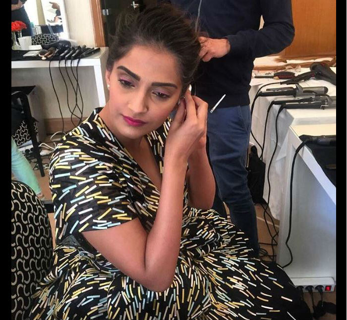Cannes 2016: Sonam\'s Fabulous Summer Chic Look