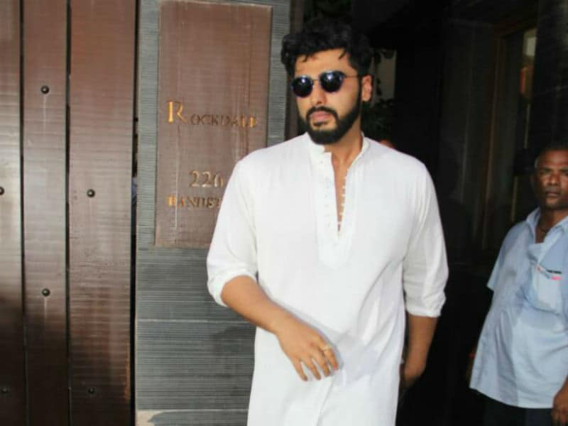 Arjun Kapoor, Ranveer Singh At Sonam Kapoor's Grandmother's Prayer Meet