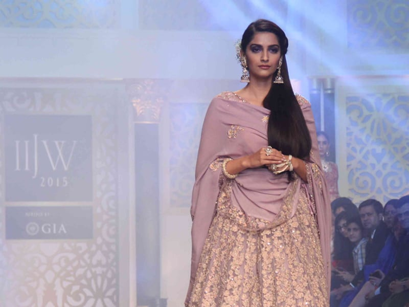 Sonam Ends Jewellery Week With a Bang