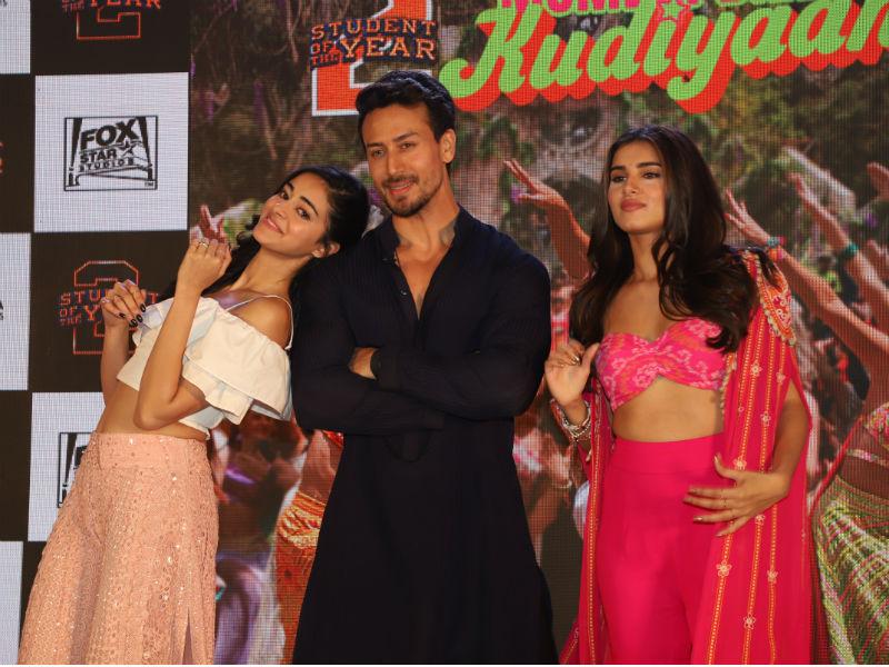 Mumbai Dilli Di Kudiyaan Tara And Ananya Bring The Party To Town