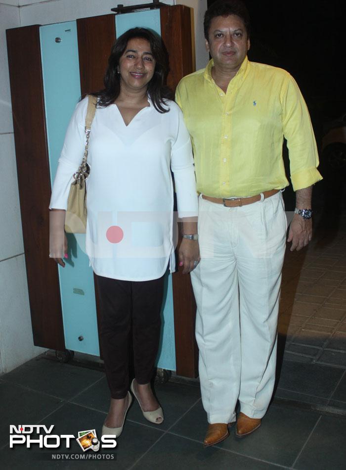 Sudhanshu Pandey celebrates his wedding anniversary