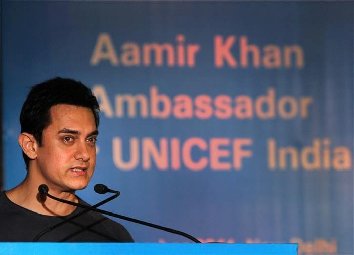 Spotted: Kareena, Imran, Aamir