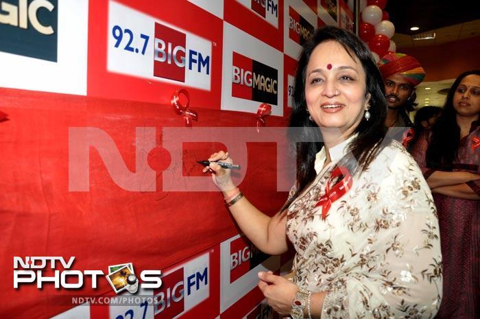 Spotted: Sameera, Smita, Bappi Lahiri