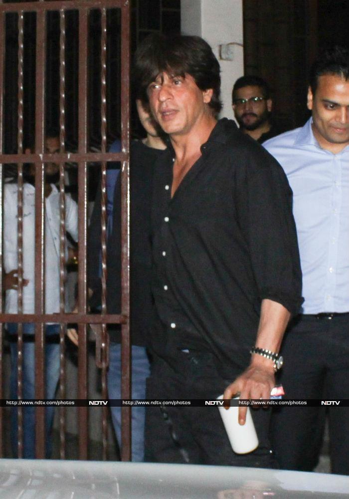 'जब शाहरुख मेट कैमरा'... तो ऐसे आए नजर