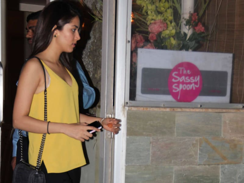 Mira Rajput's Street Style: Casual But Chic