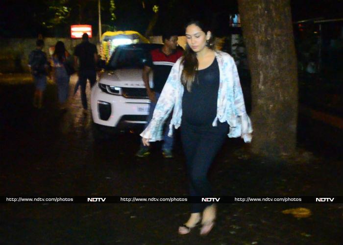 Navya Naveli Nanda\'s Shades of Blue