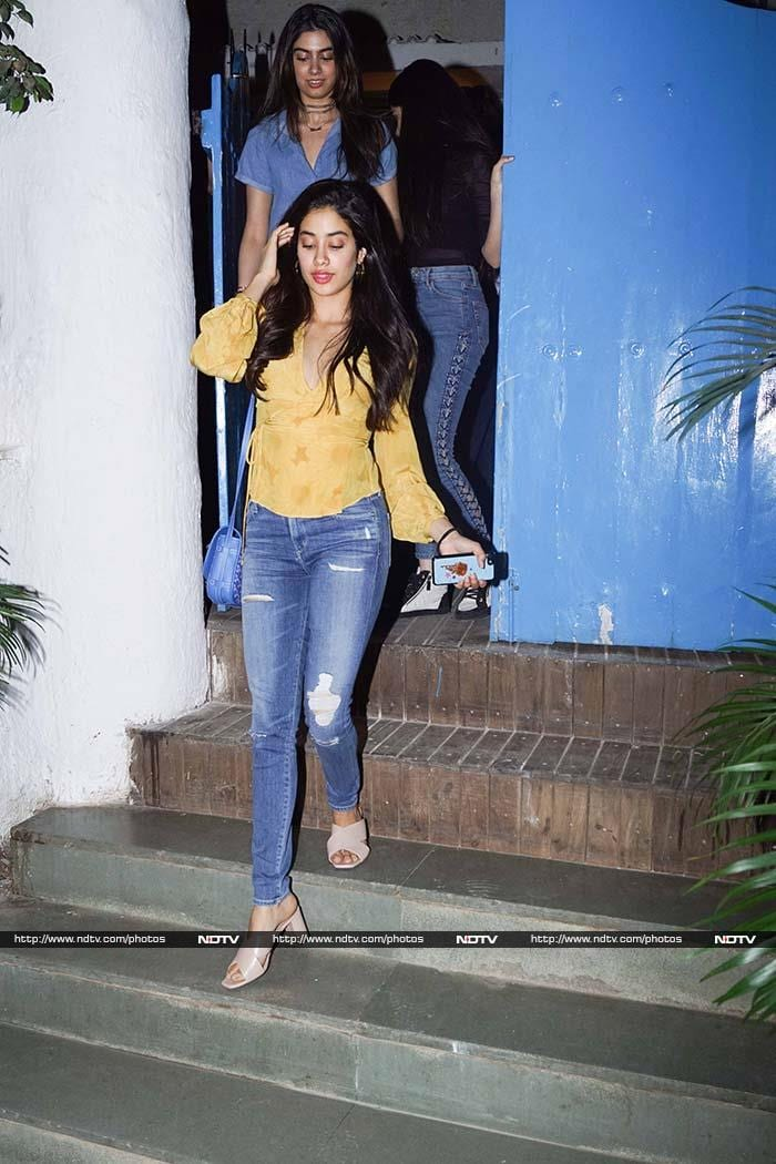 Sister\'s Day Out With Jhanvi And Khushi Kapoor