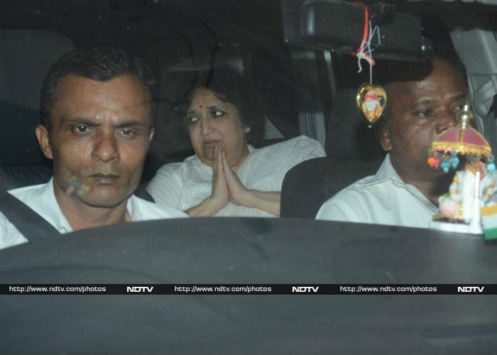 रजनीकांत, शाहरुख से कमल हासन तक, श्रीदेवी के निधन से दुखी सितारे पहुंचे अनिल कपूर के घर