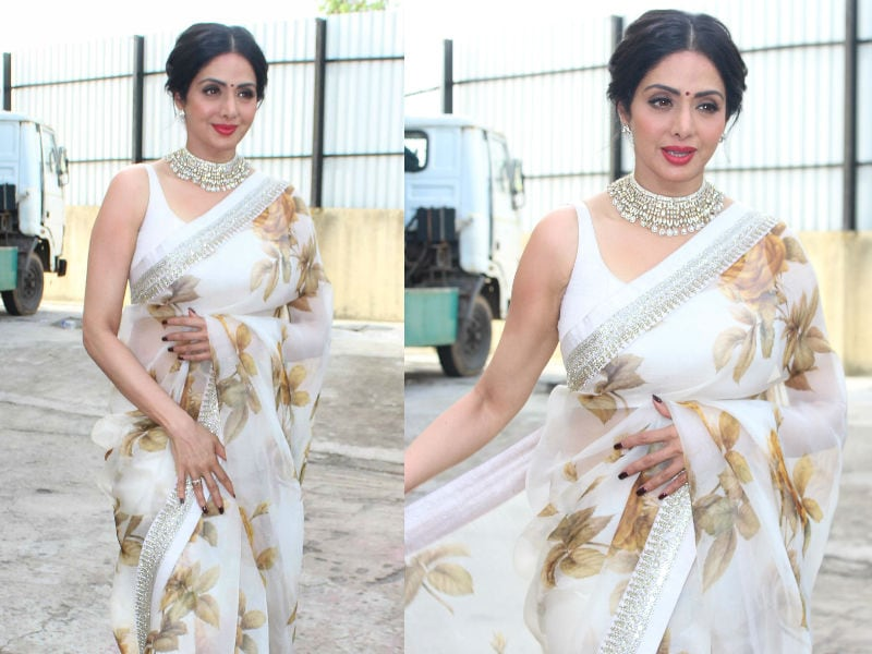 Sridevi Gives Chandni Vibes During MOM Promotions