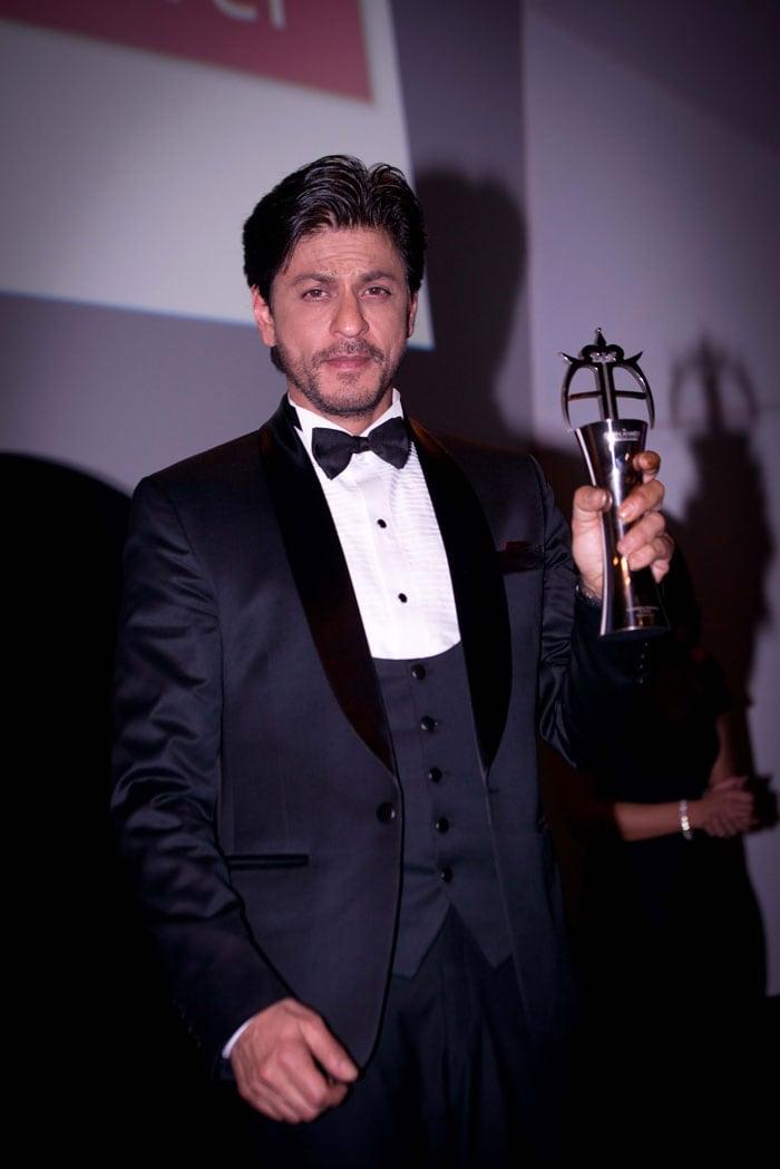 Shah Rukh Khan\'s Kodak Moment With Zayn Malik