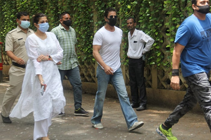 Shah Rukh Khan, Dharmendra And Others Pay Last Respects To Dilip Kumar