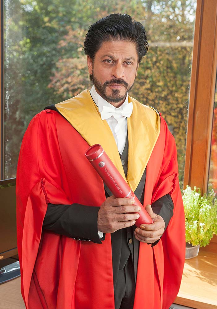 Edinburgh\'s Date With Shah Rukh Khan Ended with a Lungi Dance