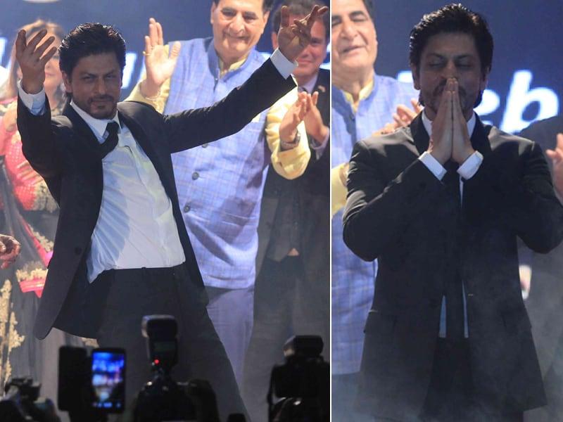 Shah Rukh Khan Biggest Entertainer at Dadasaheb Phalke Foundation Awards