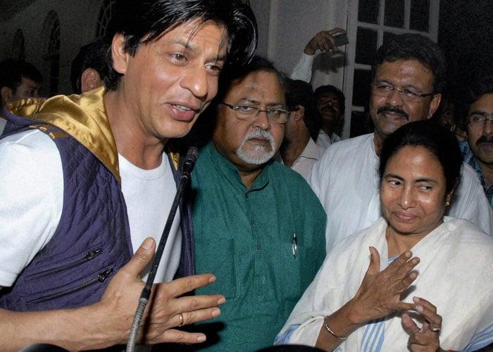 SRK cheered by Eden Gardens crowd