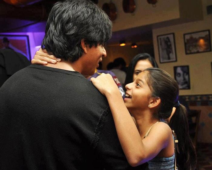Suhana Khan has a hug for daddy