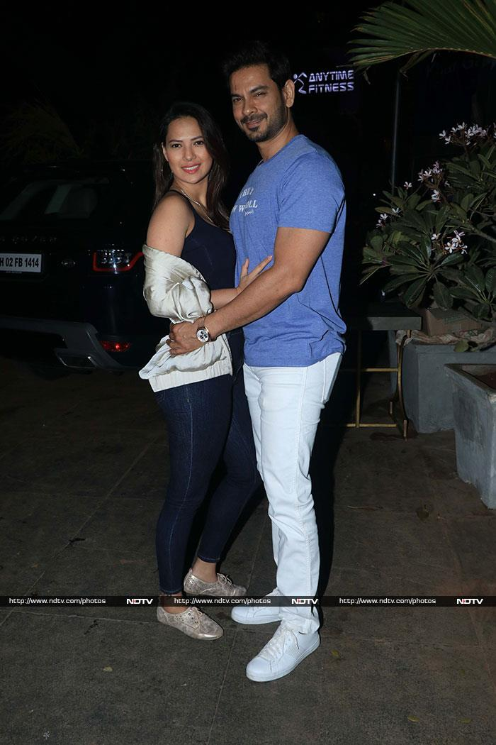 Nora Fatehi\'s Midnight Birthday Bash With Varun Dhawan And Others