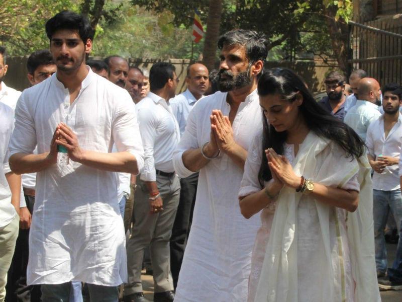 Amitabh Bachchan, Jackie Shroff At Suniel Shetty's Father's Funeral