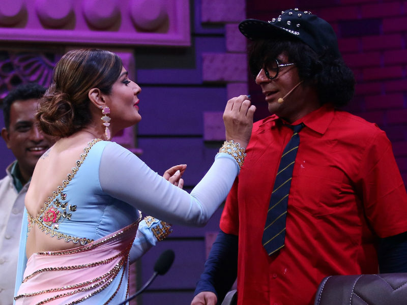 Sunil Grover Returns As Sabse Bada Kalakaar
