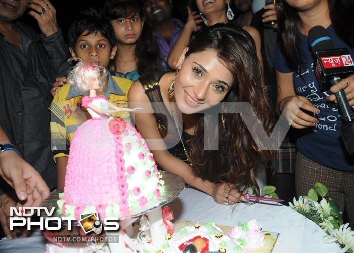 Sara Khan\'s birthday party