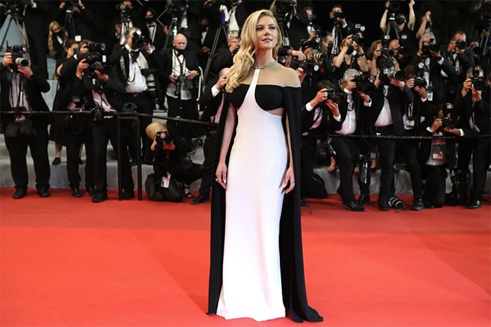 Katheryn Winnick posed at the red carpet as she arrived for the screening of the film Flag Day.