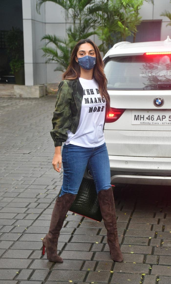 Kiara And Sidharth\'s Airport Looks Are Just Too Cool