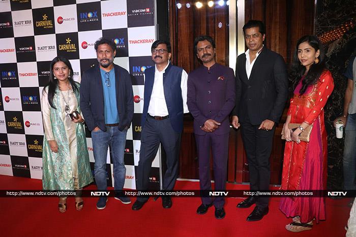 फिल्म 'ठाकरे' की स्पेशल स्क्रीनिंग में शामिल हुए नवाजुद्दीन, अमृता, रोहित शेट्टी