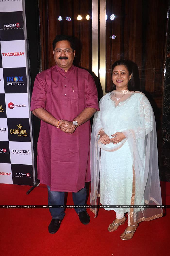 Nawazuddin Siddiqui Watches Thackeray With Amrita Rao, Rohit Shetty