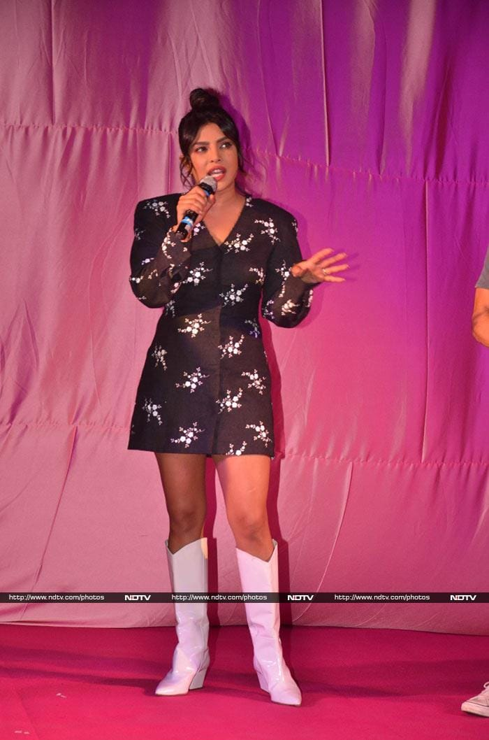 Priyanka Chopra And Farhan Akhtar\'s Promotional Diaries