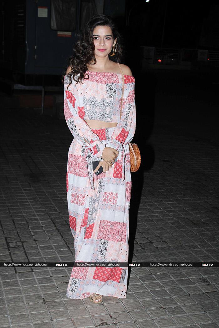 Janhvi Kapoor, Shibani Dandekar, Ira Khan And Others Watch Priyanka-Farhan\'s The Sky Is Pink