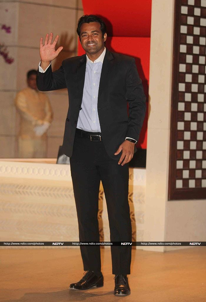 Aamir Khan, John Abraham At Ambani Party For Dr Thomas Bach