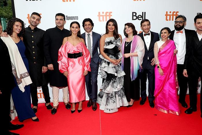 जानें प्रियंका चोपड़ा की फिल्म 'द स्काई इज पिंक' के प्रीमियर में कौन-कौन पहुंचा