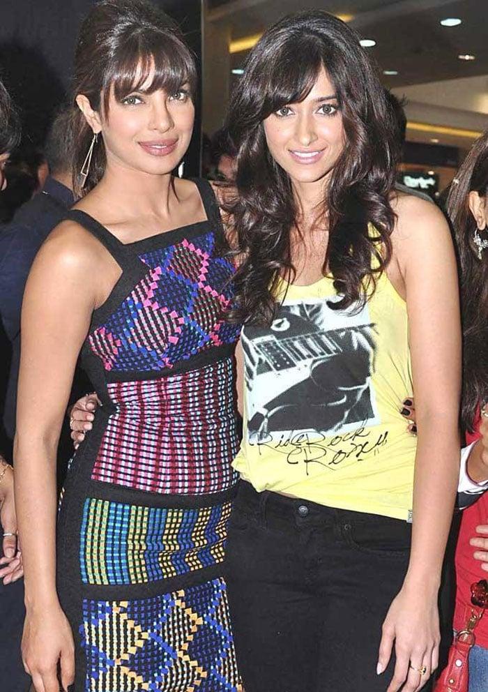 Priyanka, Ileana are sweet as Barfi