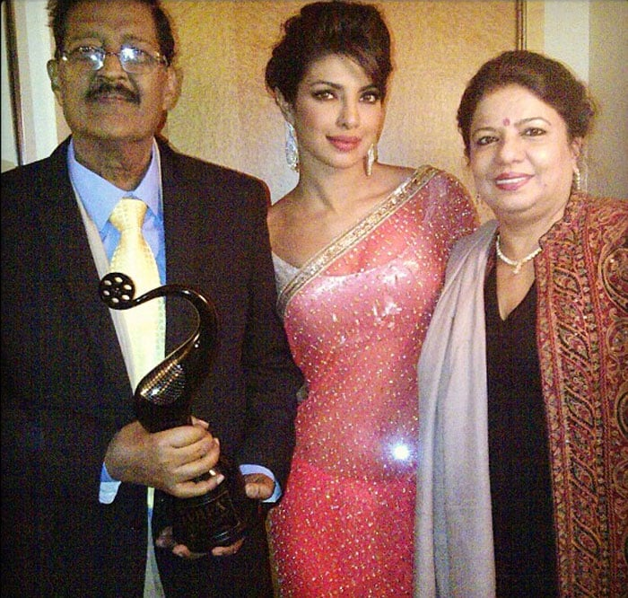 Priyanka shares special moment with parents