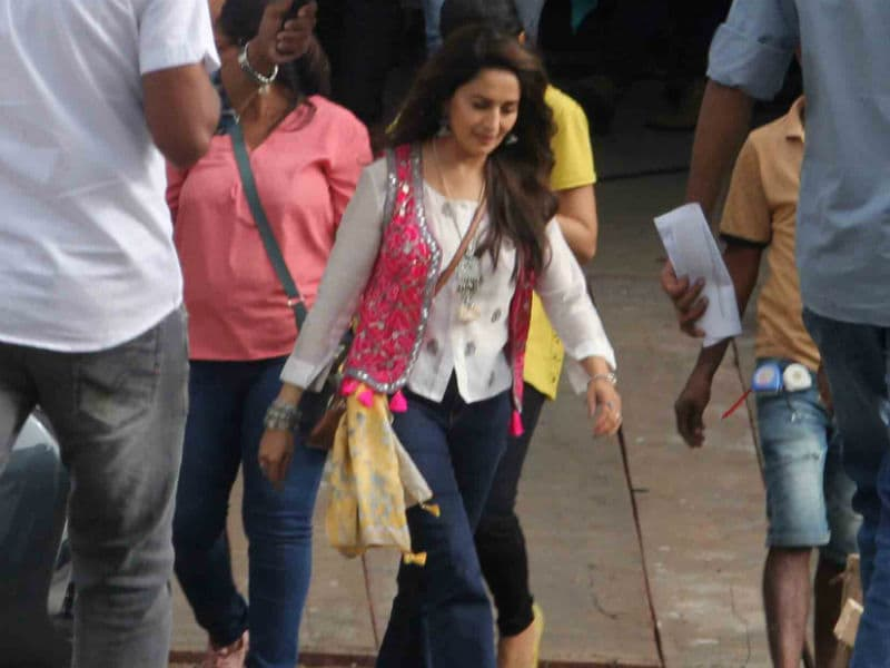 Madhuri From The Sets Of  Total Dhamaal