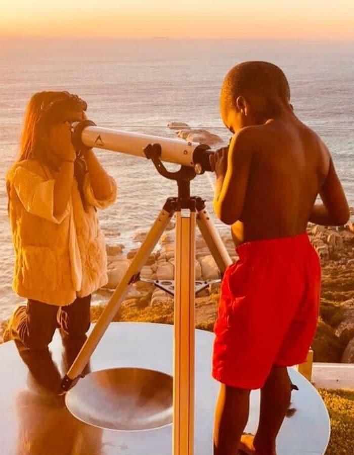 Inside Akshay Kumar, Twinkle Khanna\'s Sun And Sea Vacation