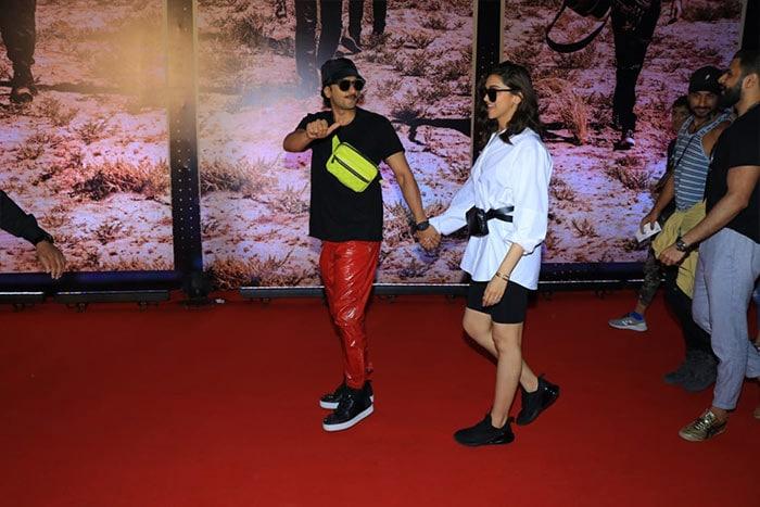 Spotlight Followed Deepika-Ranveer At U2 Concert