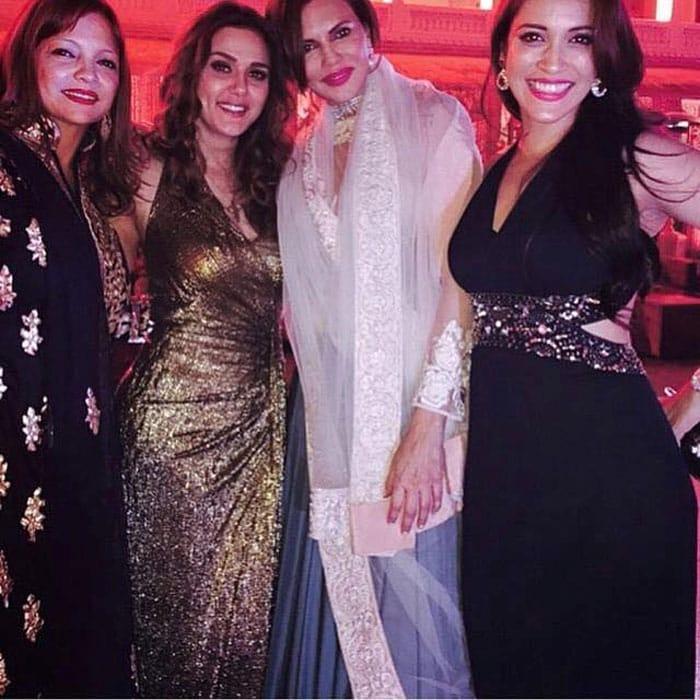 Bollywood Lives it Up at Sanjay Hinduja\'s Wedding Celebrations