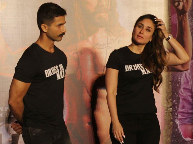 Photo : 'उड़ता पंजाब' के लिए एक मंच पर दिखे शाहिद और करीना, लॉन्च किया ट्रेलर