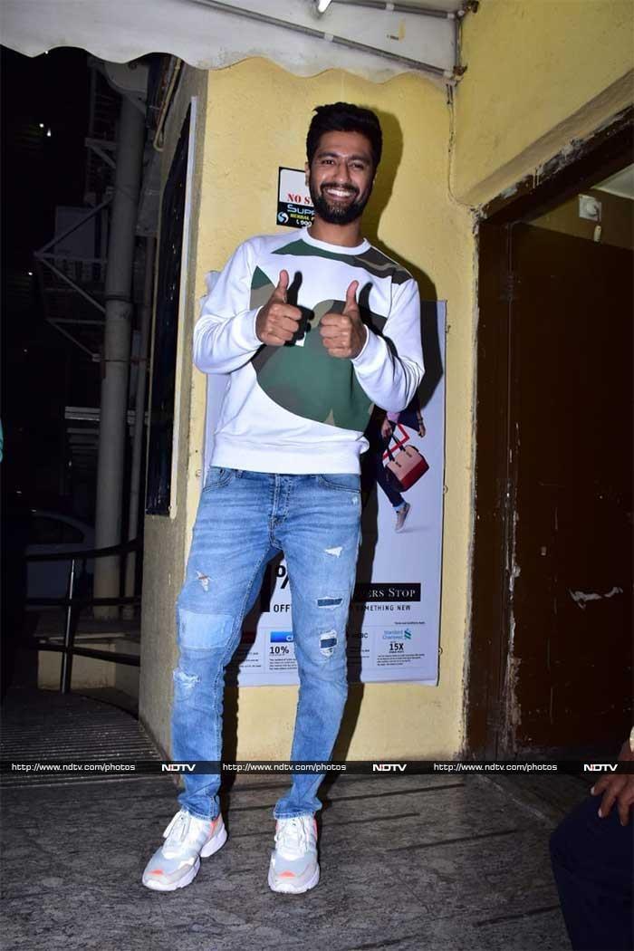 मुंबई में 'उरी' की स्पेशल स्क्रीनिंग, विक्की कौशल, यामी गौतम, इसाबेल यूं आए नज़र