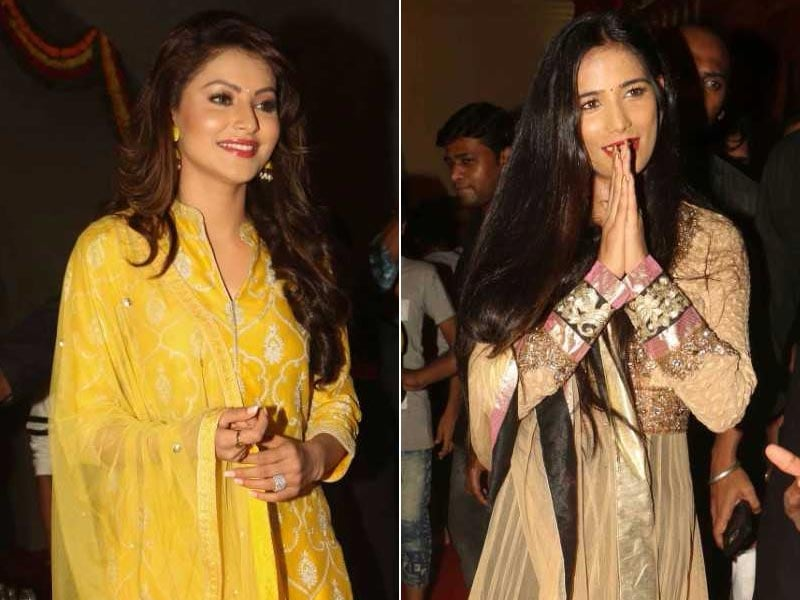 Urvashi Rautela And Poonam Pandey Offer Prayers To Lord Ganesha