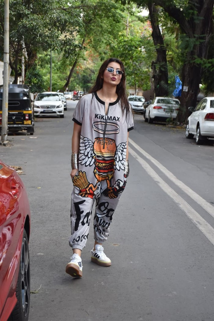 Urvashi Rautela was also snapped in Juhu.