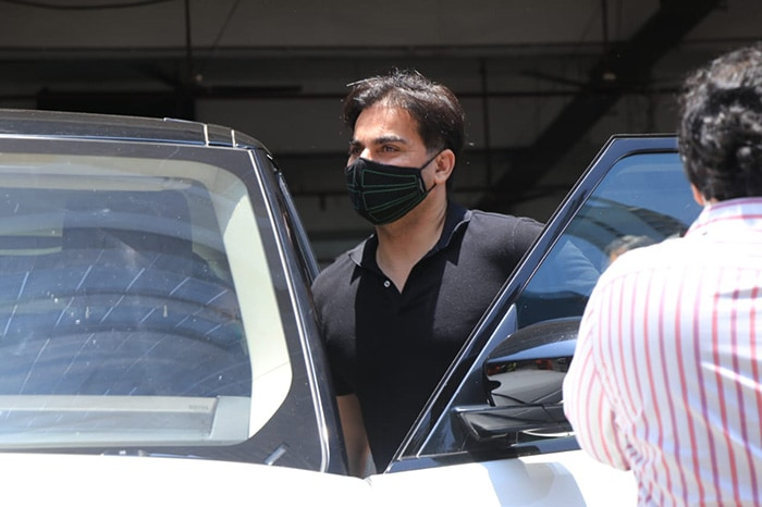 Actor-producer Arbaaz Khan was also spotted at the vaccination centre.