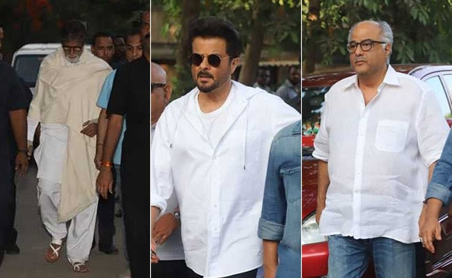 Photo : Amitabh Bachchan, The Kapoors And Others Attend Veeru Devgan's Funeral