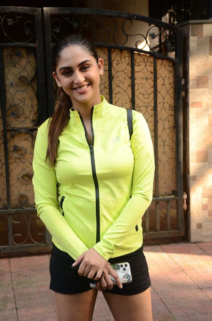 In another part of the city, actress Krystle D\'Souza was all smiles as she posed for the shutterbugs in Versova.