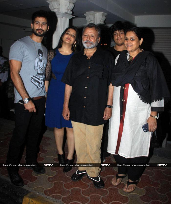 Vidya, Dia at Shahid\'s Birthday Party for his Father