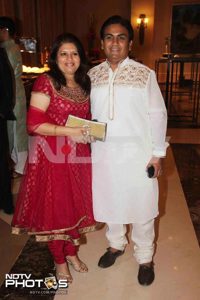 Dilip Joshi, with his better half, opts for ethnic