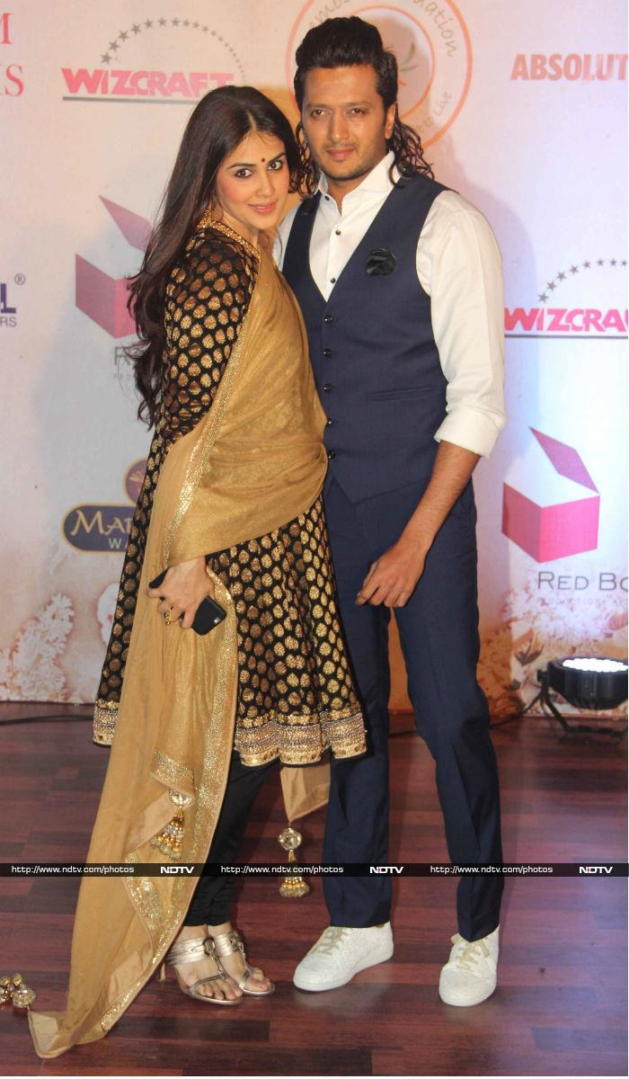 Genelia D'Souza Debuts Baby Bump at Vikram Phadnis' Show