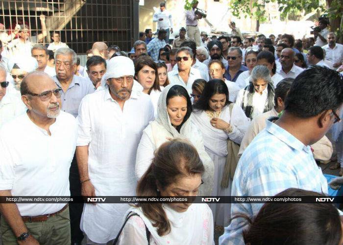 अलविदा विनोद खन्ना: अंतिम विदाई में बिग-बी समेत कई दिग्गिज हुए शामिल