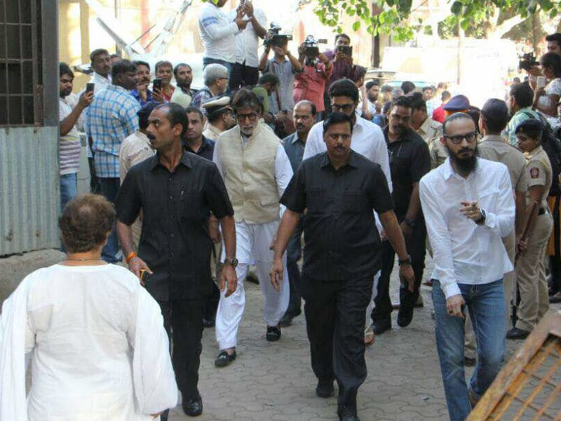 Big B, Rishi Kapoor, Jackie Shroff At Vinod Khanna's Funeral