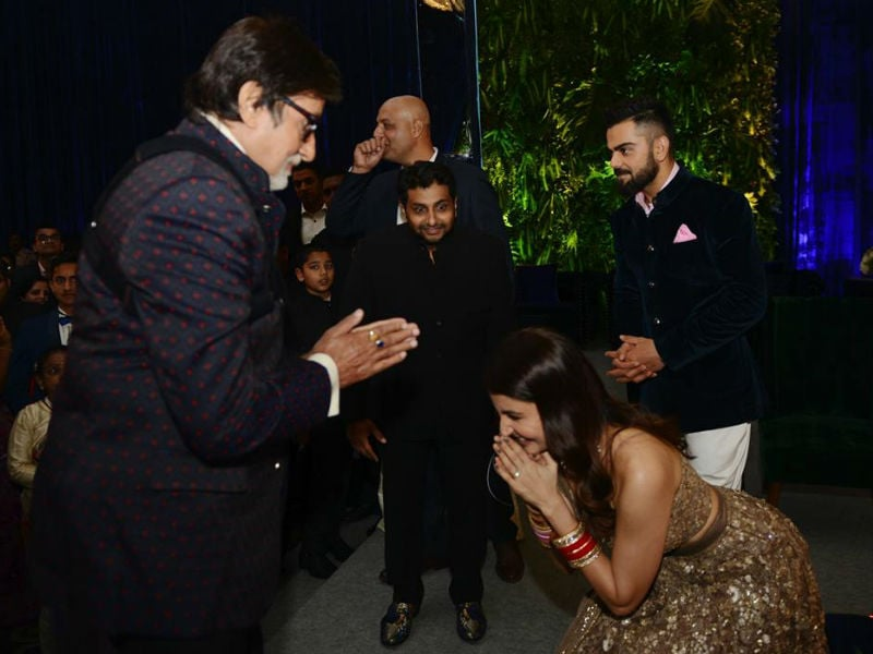 Best Of Virushka Moments With Bachchans, SRK At Mumbai Reception